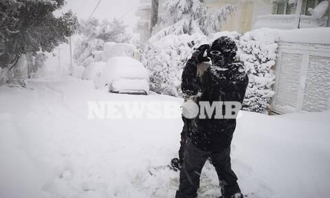 Κακοκαιρία «Μήδεια»: Βγήκαν για... snowboard στην Πολιτεία  (video)