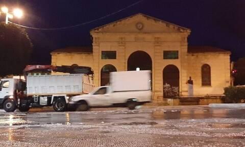 Κρήτη: H κακοκαιρία «Μήδεια» χτυπάει τα Χανιά - Μάχη για να μείνουν ανοιχτοί οι δρόμοι (pics & vids)