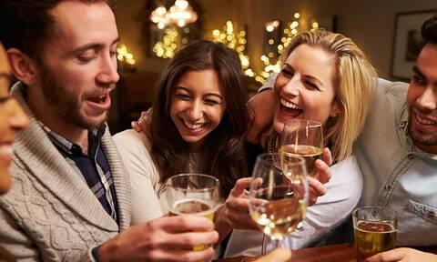 Αλκοόλ: Δεν θα πιστεύεις σε τι σου κάνει καλό!
