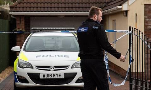 Απίστευτο: 65χρονη μαχαίρωσε μέχρι θανάτου τον 78χρονο σύζυγό της για έναν... φορτιστή