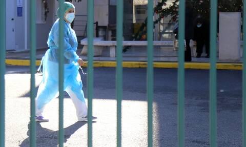 Κορoνοϊός - Κέρκυρα: O γιατρός που νοσηλεύεται με παράλυση στα κάτω άκρα βρέθηκε υπόλογος για ΕΔΕ