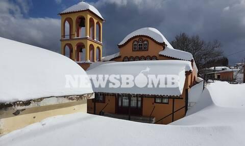 Ρεπορτάζ Newsbomb.gr στην Εύβοια: Ατύχημα για εργαζόμενο του ΔΕΔΔΗΕ - Μόνο 1 χωριό ακόμα χωρίς ρεύμα