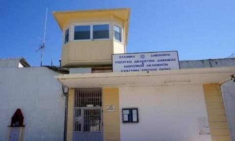 Απίστευτο: Κρατούμενος κατάπιε 2 κινητά και καλώδιο επιστρέφοντας στις φυλακές Αγίου Στεφάνου