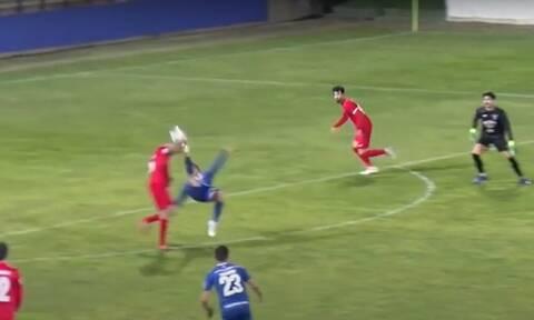 Η ομορφιά του ποδοσφαίρου σε μία φάση - Επική γκάφα τερματοφύλακα έφερε το γκολ της χρονιάς (video)