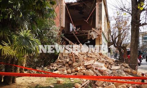 Κατάρρευση κτηρίου στα Πατήσια: Απεγκλωβίστηκε ένα άτομο - Συγκλονιστικές εικόνες