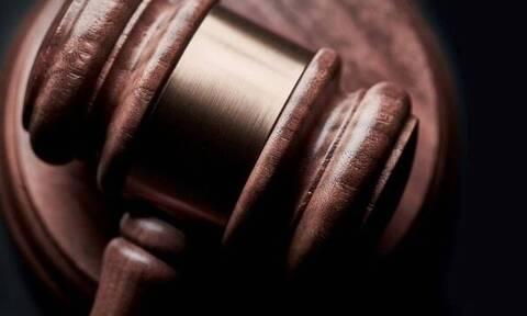Τα κλειστά δικαστήρια «βραχυκυκλώνουν» τους πλειστηριασμούς