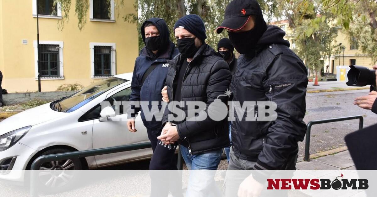 Λιγνάδης: Κακουργηματικές κατηγορίες για βιασμό κατά συρροή – Ζήτησε προθεσμία για να απολογηθεί – Newsbomb – Ειδησεις
