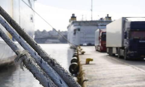 Δεμένα τα πλοία σήμερα (23/2) και αύριο (24/2) στα λιμάνια
