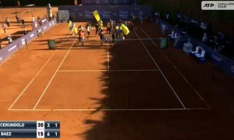 Χιλή: Απίστευτο! «Ντου» οπαδών σε αγώνα τένις (video)