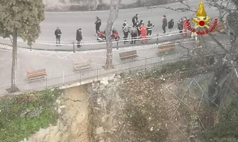 Ιταλία: Κατέρρευσε μέρος νεκροταφείου - Τουλάχιστον 200 τάφοι και 2 παρεκκλήσια βρέθηκαν στο ποτάμι
