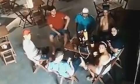 Σοκ στη Βραζιλία: Ζηλιάρα σύζυγος πυροβόλησε και σκότωσε 26χρονη επειδή καθόταν δίπλα στον άντρα της