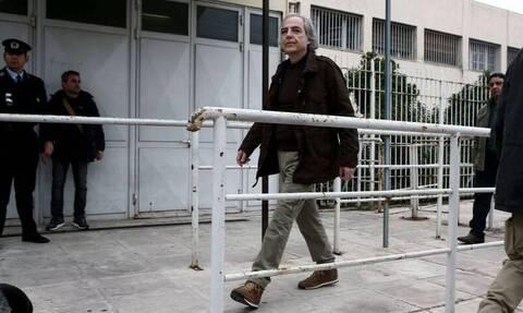 Δημήτρης Κουφοντίνας: Έβγαλε τον ορό, παρακολουθεί το μόνιτορ
