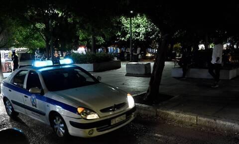 Κυψέλη: Αστυνομικοί έσωσαν ηλικιωμένη, πηδώντας από μπαλκόνι σε μπαλκόνι