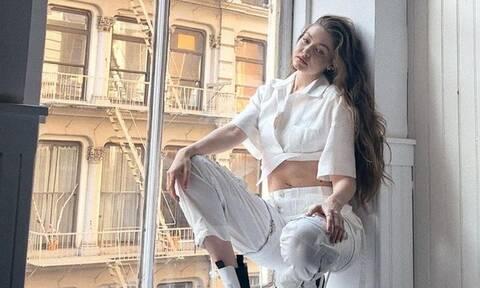 Σου άρεσε το σκισμένο jean της Gigi Hadid; Σου βρήκαμε παρόμοια jeans να διαλέξεις