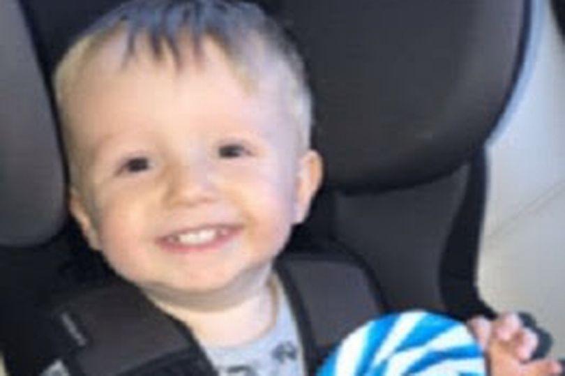 Πέταξε το 2χρονο μωρό της κοπέλας του από τις σκάλες - Νεκρό το παιδί - Ήταν ατύχημα λέει ο 25χρονος