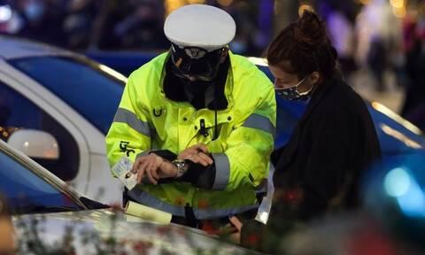 Lockdown: Συλλήψεις και πρόστιμα για παραβίαση των μέτρων περιορισμού του κορονοϊού