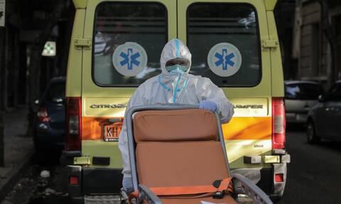 Κλινική Πειραιά: «Έλεγαν ότι η μητέρα μου είχε ουρολοίμωξη» - Καταγγελία για θάνατο από κορονοϊό