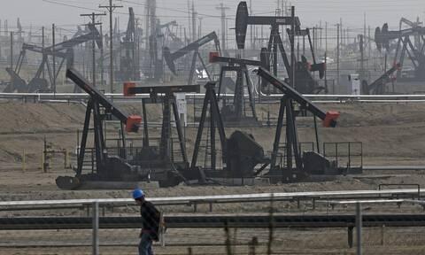 Κέρδη στη Wall Street - «Καλπάζει» η τιμή του πετρελαίου