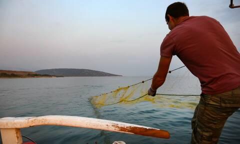 Σε ΦΕΚ η απόφαση για προκαταβολή της επιστροφής ΕΦΚ καυσίμων για αλιείς 6 μικρών νησιών