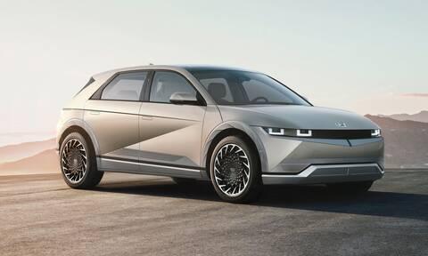 Ioniq 5: Το ηλεκτρικό αυτοκίνητο νέας γενιάς της Hyundai που φορτίζει και άλλα EV