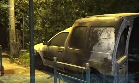Μπαράζ επιθέσεων το βράδυ: Έκαψαν όχημα στο Χαλάνδρι, έβαλαν γκαζάκια σε κατάστημα