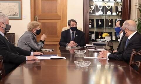Kυπριακό: Στη Γενεύη μεταξύ 27-29 Απριλίου η άτυπη συνάντηση 5+1