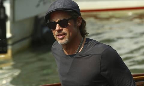 Ο Brad Pitt άλλαξε λουκ και οι φωτογραφίες κάνουν τον γύρο του κόσμου