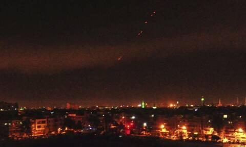 Συρία: Τουλάχιστον 17 μαχητές προσκείμενοι στο Ιράν σκοτώθηκαν από τα αεροπορικά πλήγματα των ΗΠΑ