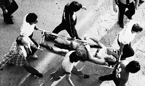 «Ζήσε ή πέθανε»: Ο αγώνας μποξ που κατέστρεψε ζωές κι άλλαξε το άθλημα (videos+photos)