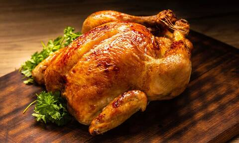 To μεγάλο λάθος που κάνουμε πριν ψήσουμε το κοτόπουλο