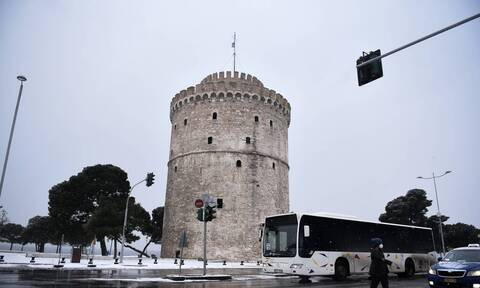 Δεν παραιτούνται τα στελέχη του δήμου Θεσσαλονίκης που εμβολιάστηκαν πρόωρα