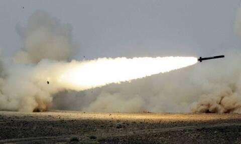 Σαουδική Αραβία: Η αντιαεροπορική άμυνα απέκρουσε επίθεση των Χούθι με βαλλιστικούς πυραύλους