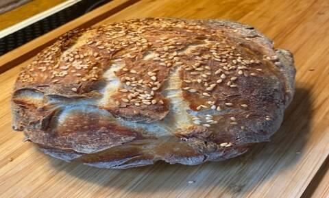 Πώς μπορείς να φτιάξεις μόνος σου ψωμί; Είναι πολύ εύκολο
