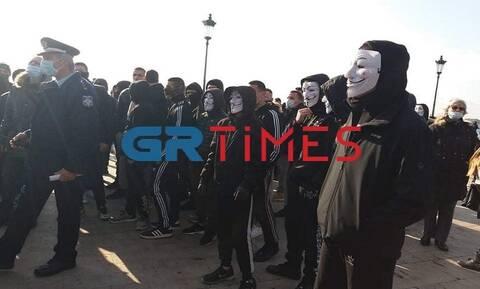 Θεσσαλονίκη: Πορεία διαμαρτυρίας κατά του lockdown με σύνθημα «δεν υπάρχει υγεία χωρίς ελευθερία»