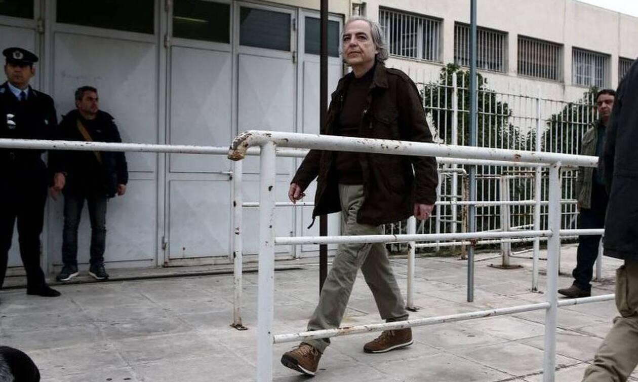 Δημήτρης Κουφοντίνας: Τι λένε η γιατρός και η δικηγόρος του - Δικαστικός εμφύλιος για την υπόθεση