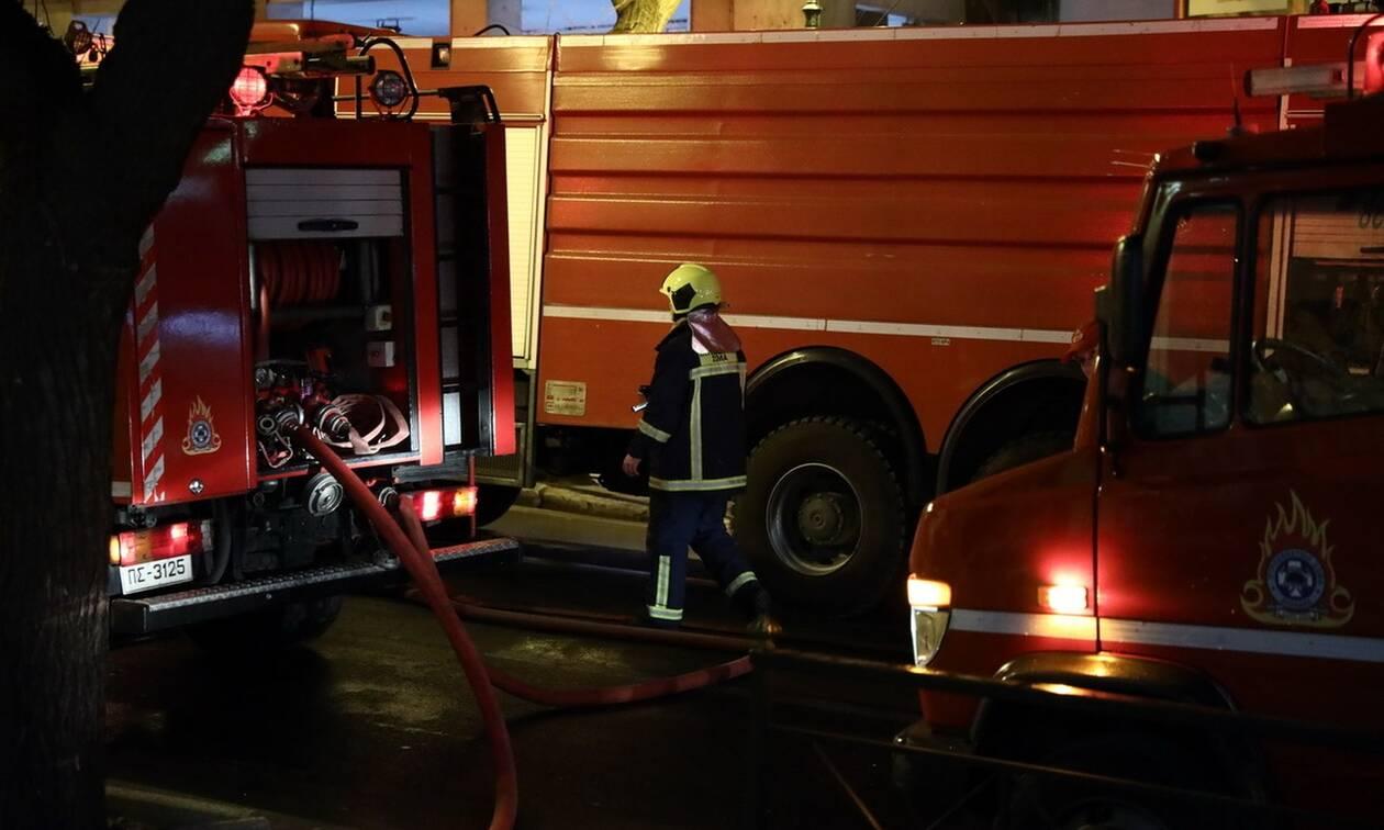 Στις φλόγες κατάστημα ρούχων στο κέντρο της Αθήνας