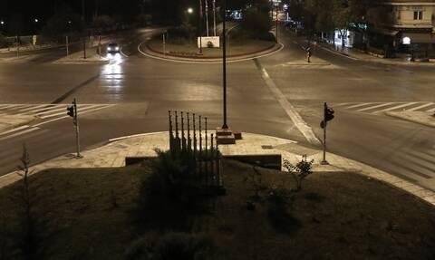 Θεσσαλονίκη: Γυναίκα έκανε βόλτες γυμνή στους δρόμους της πόλης - Δείτε το βίντεο