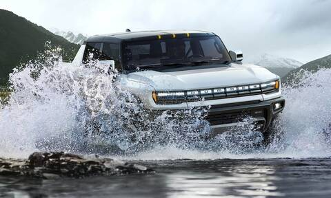 To νέο, ηλεκτρικό Hummer μπορεί να κινείται σαν τον κάβουρα