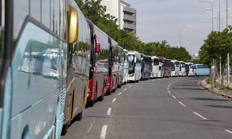 Παρατείνεται  η δυνατότητα κατάθεσης πινακίδων για τουριστικά λεωφορεία και τουριστικά τρένα