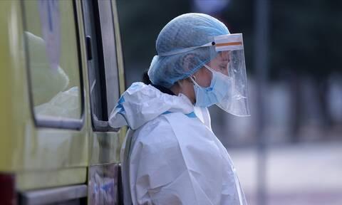 ΠΟΕΔΗΝ: Αναβλήθηκαν οι εμβολιασμοί στη Ναύπακτο - Βλάβη στο ψυγείο με τα εμβόλια