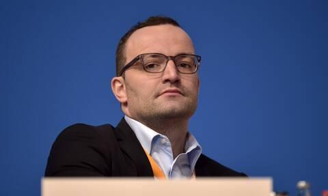 Κορονοϊός - Γερμανία: Στο στόχαστρο ο υπουργός Υγείας για συμμετοχή σε δείπνο με πάνω από 10 άτομα