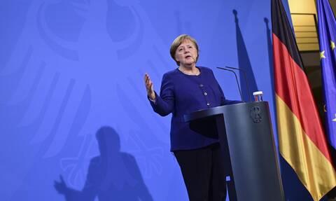 Γερμανία: Αρνείται η Μέρκελ τον δημόσιο εμβολιασμό της με το εμβόλιο της Astrazeneca