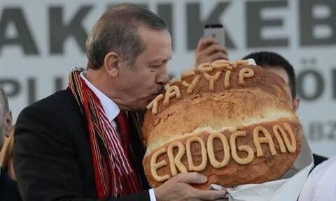 Τραγική η κατάσταση στην Τουρκία: Αγοράζουν μπαγιάτικο ψωμί γιατί είναι φθηνότερο