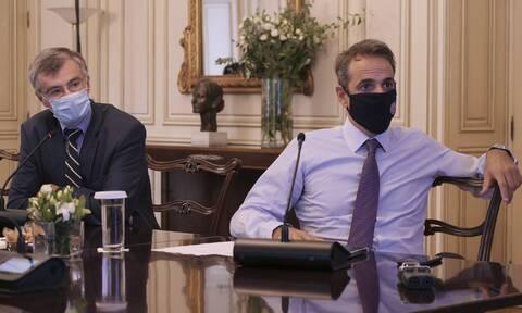 Κορονοϊός: Έκτακτη σύσκεψη στο Μαξίμου - Ανησυχία για τις μεταλλάξεις, αγωνία για το ΕΣΥ