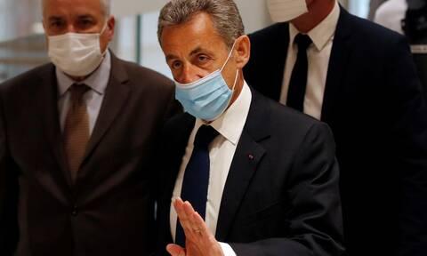 Σαρκοζί: Γιατί οι Γάλλοι Πρόεδροι αγαπούν τόσο πολύ τα σκάνδαλα;