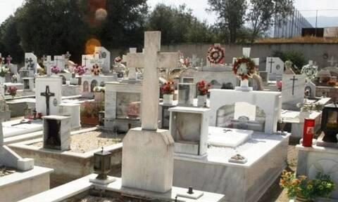 Ανατριχίλα στην Κρήτη: Τάφοι κρέμονται πάνω από το δρόμο (video)
