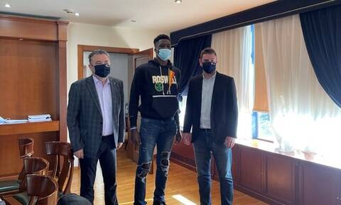 Αλέξανδρος Αντετοκούνμπο: Κατέθεσε αίτηση για την απόκτηση της ελληνικής ιθαγένειας