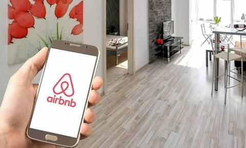 «Ηλεκτρονικό μπλόκο» της εφορίας σε εισοδήματα από ενοίκια και Airbnb