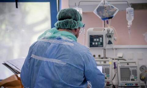 Κορονοϊός: Στο «κόκκινο» και η Κρήτη - Ρεκόρ με 100 ασθενείς