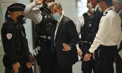 Σαρκοζί: Έτοιμος να προσφύγει στο Ευρωπαϊκό Δικαστήριο για την «άδικη» όπως λέει καταδίκη του
